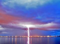 雷がすごいですね