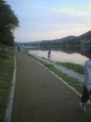 琵琶湖から流れる瀬田川沿いのウオーキング