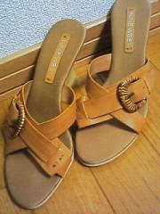 最近買った靴です。